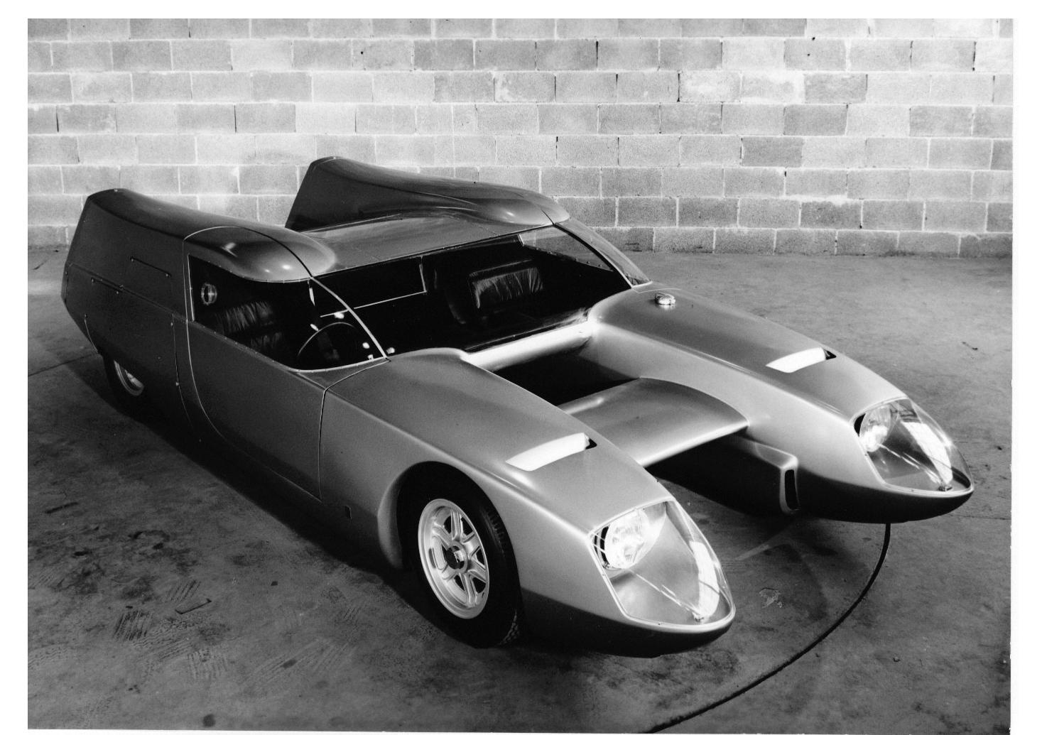 1967_OSI_Silver_Fox_bisiluro