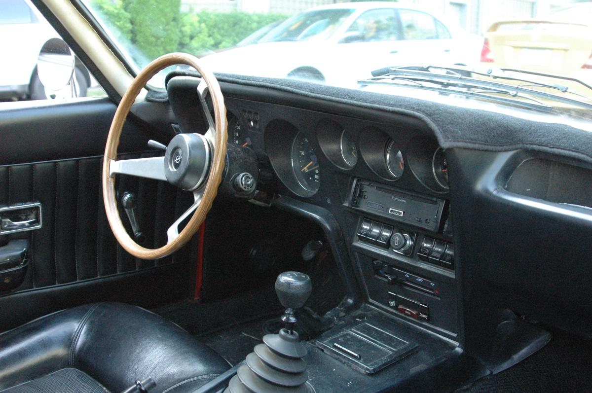 1970-opel-gt-interior