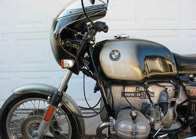 1974-BMW-R90S-Silver