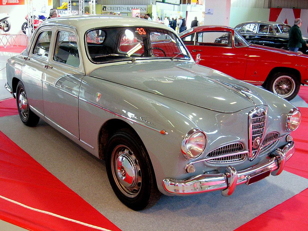 Alfa_Romeo_1900_berlina_fronte