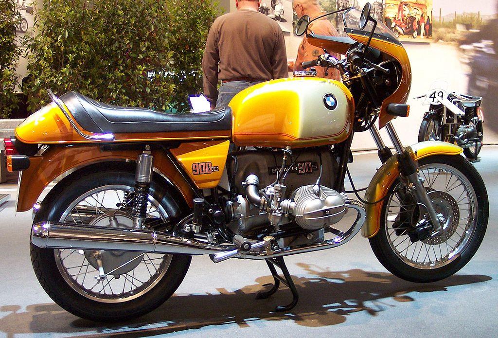 BMW_R90S_gold_1975_
