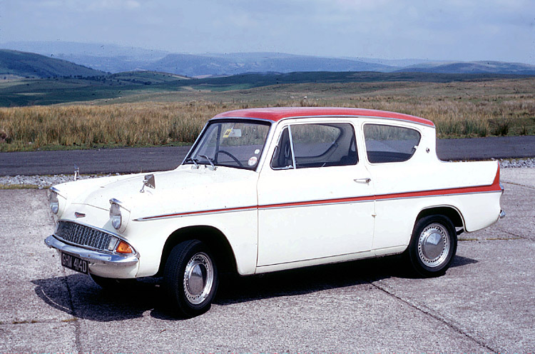 Ford_Anglia_123E_Super