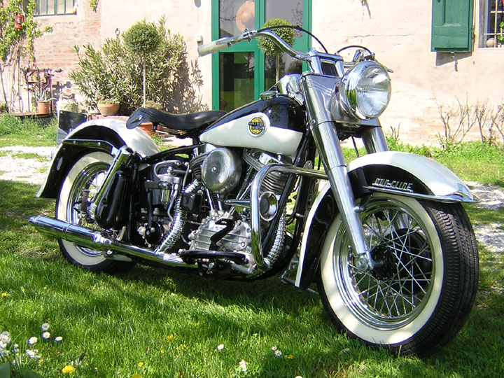Harley_davidson_duo_glide_1958_frontale