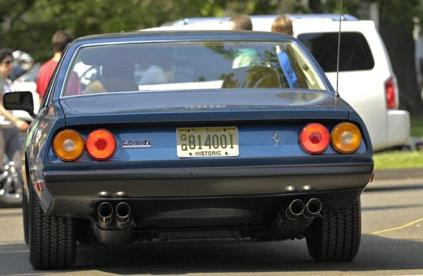 Ferrari_400I-retro