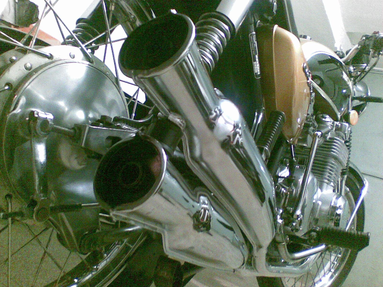 Honda_CB_500_Four_marmitte