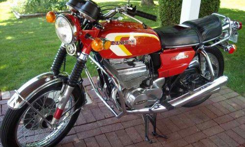 SUZUKI 380 GT – (1972/1977) – Giappone
