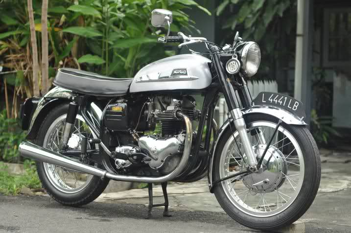 1961-Norton-Dominator-88-500