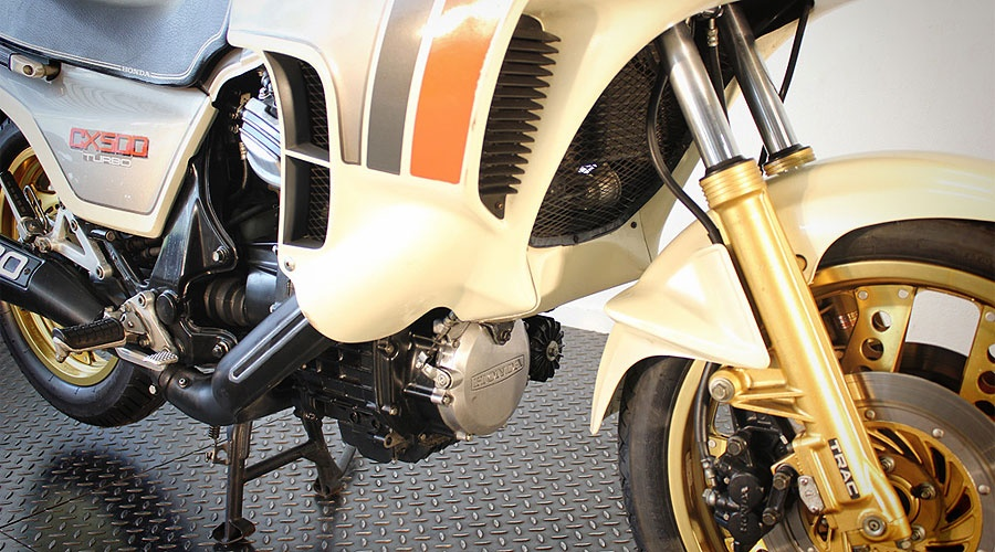 Honda_CX_500_Turbo_motore