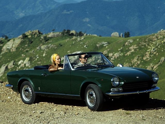 Fiat_124_sport_spider_foto_vintage
