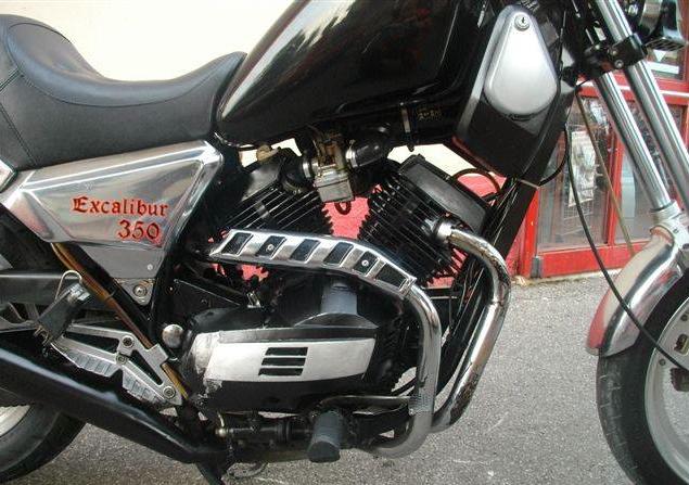 Moto_Morini_excaliburn_350_motore[1]