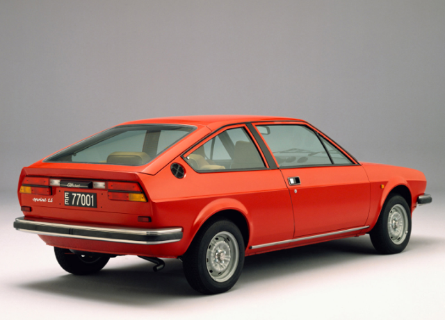 alfasud_sprint_1979_retro[1]