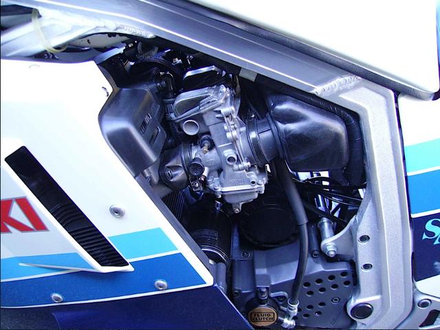 Suzuki_gsx_R_750_evoluzione_modelli[1]