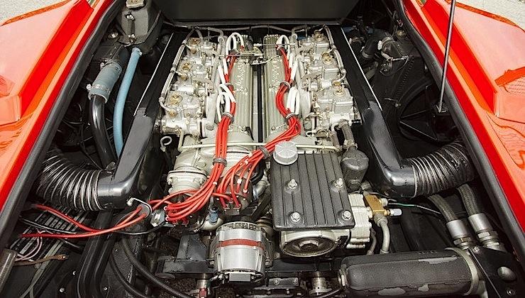 Lamborghini-Countach-LP400-engine-motore