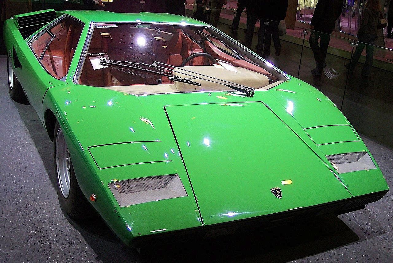 Lamborghini_Countach_green_vr_TCE_secono_prototipo
