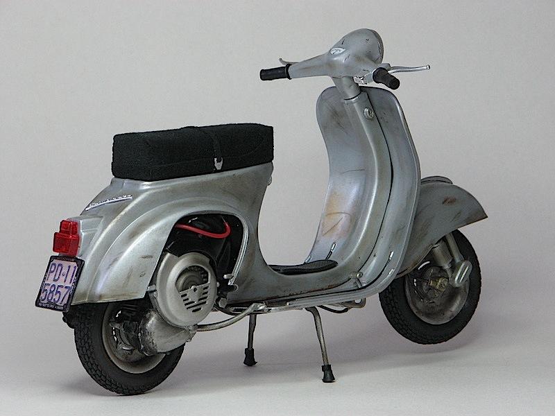 vespa primavera et3 piaggio scooter fra i pi amati foto. Black Bedroom Furniture Sets. Home Design Ideas