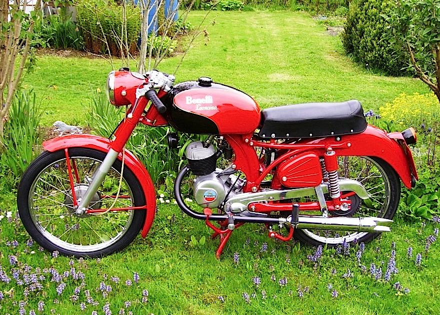Benelli-125-leoncino
