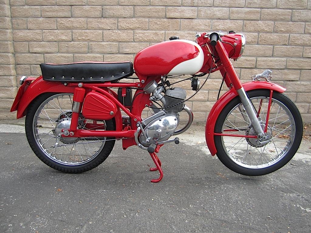 Benelli-leoncino-125