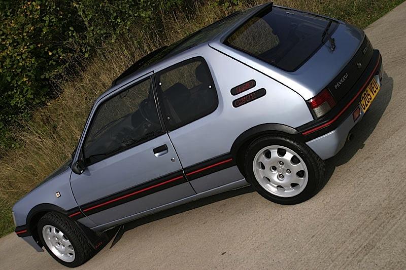 Peugeot_205_gti_silver_retro