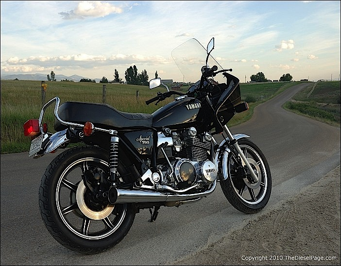 Yamaha_xs_750sf-