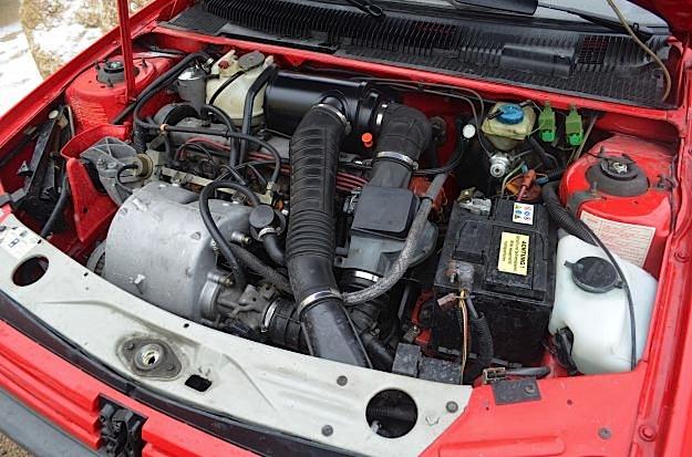 peugeot_205_gti_motore_engine