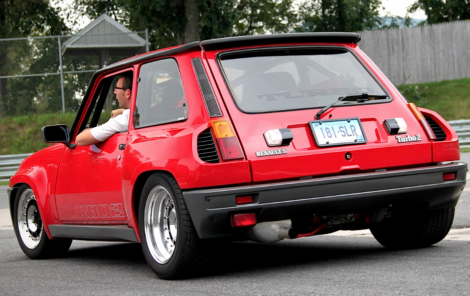 Renault_5_turbo_retro