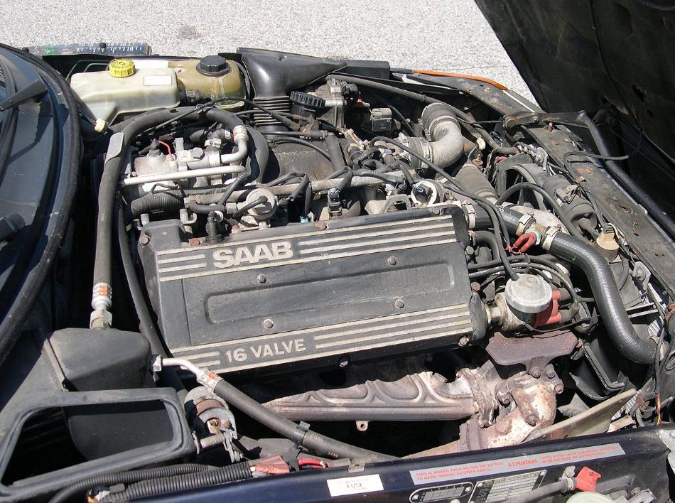 Saab_900T_Convertible_B202_motore