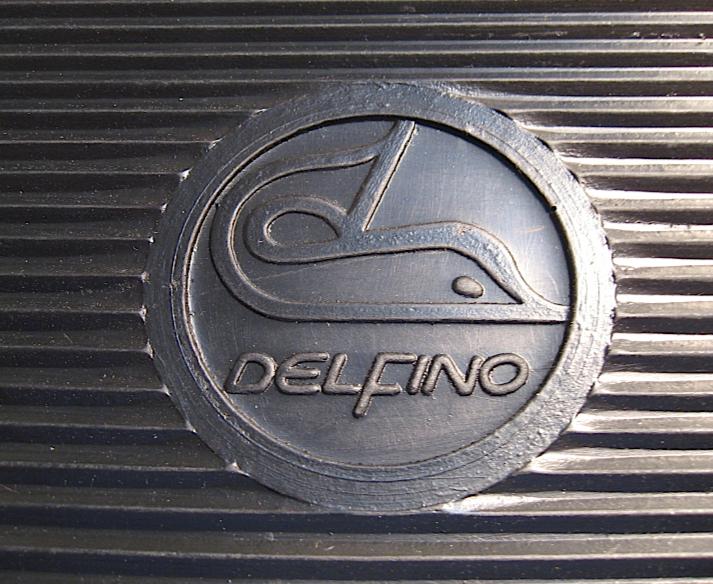 motom_delfino_stemma_tappetini