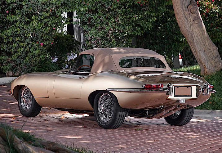 JAGUAR_E_TYPE_1967