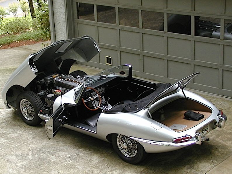 jaguar_e_Type_spider_aperta