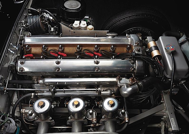 jaguar_e_type_motore