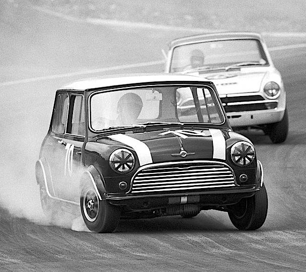 MINI COOPER Auto Epoca Anni 60. Curiosità, VIDEO E FOTO