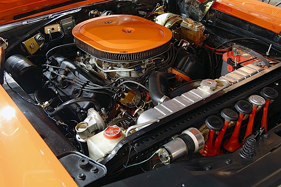 the-dukes-of-hazzard_dodge_charger_motore