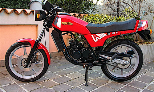 APRILIA ST 125 la prima stradale di casa Aprilia – (1982) – Italia