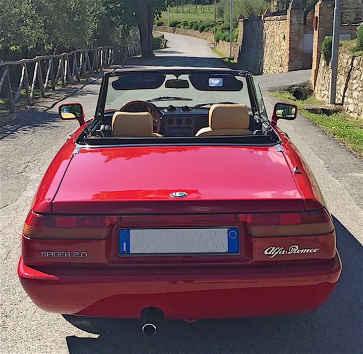 Alfa Romeo Spider la 4 serie qui con curiosità, caratteristiche tecniche, VIDEO con sound e tante belle FOTOGRAFIE per rivivere un mito